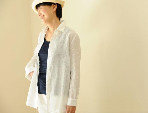 ロング丈のリネンシャツ