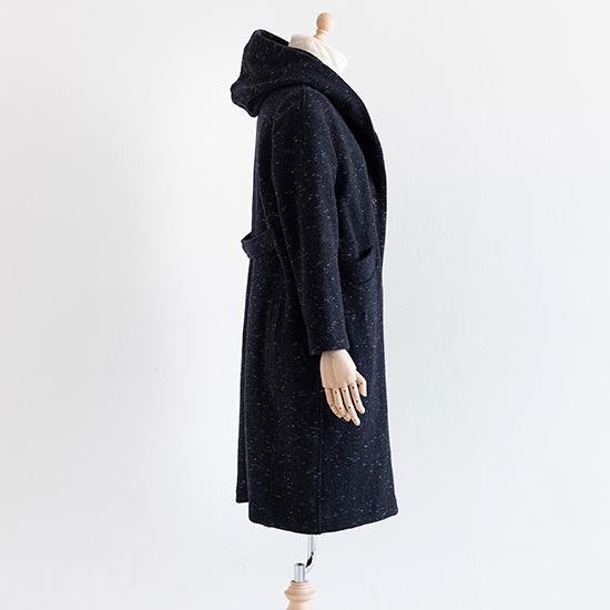 ツイード糸のニットコート