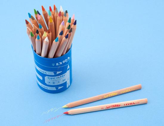 リラ社の色鉛筆セット